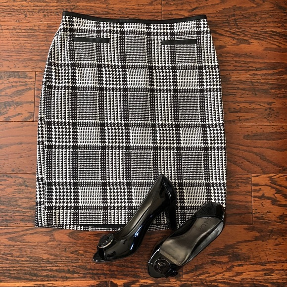 e9848618ca Talbots Skirts | Sz 6p Plaid Skirt W Faux Leather Trim | Poshmark